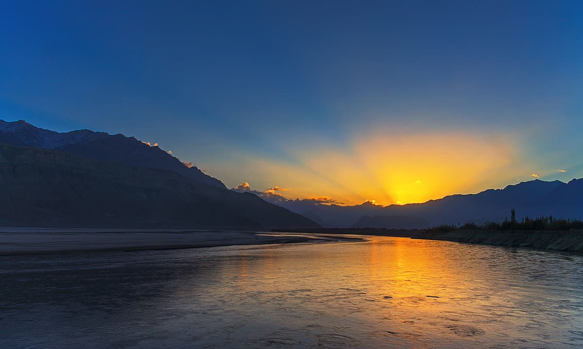 Sunrise of Indus river