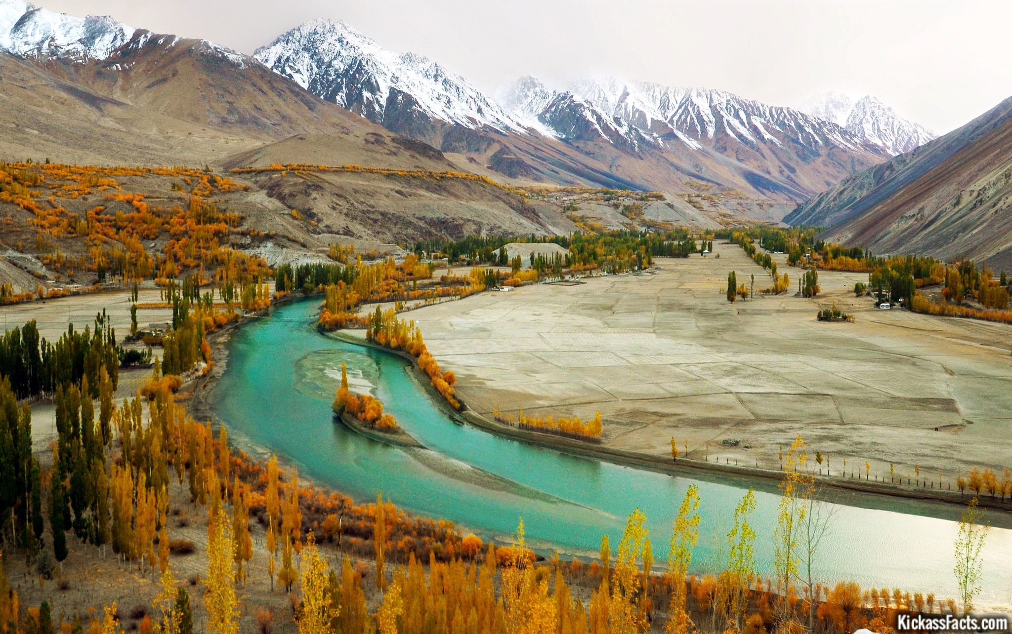 gupis valley pakistan tours guide