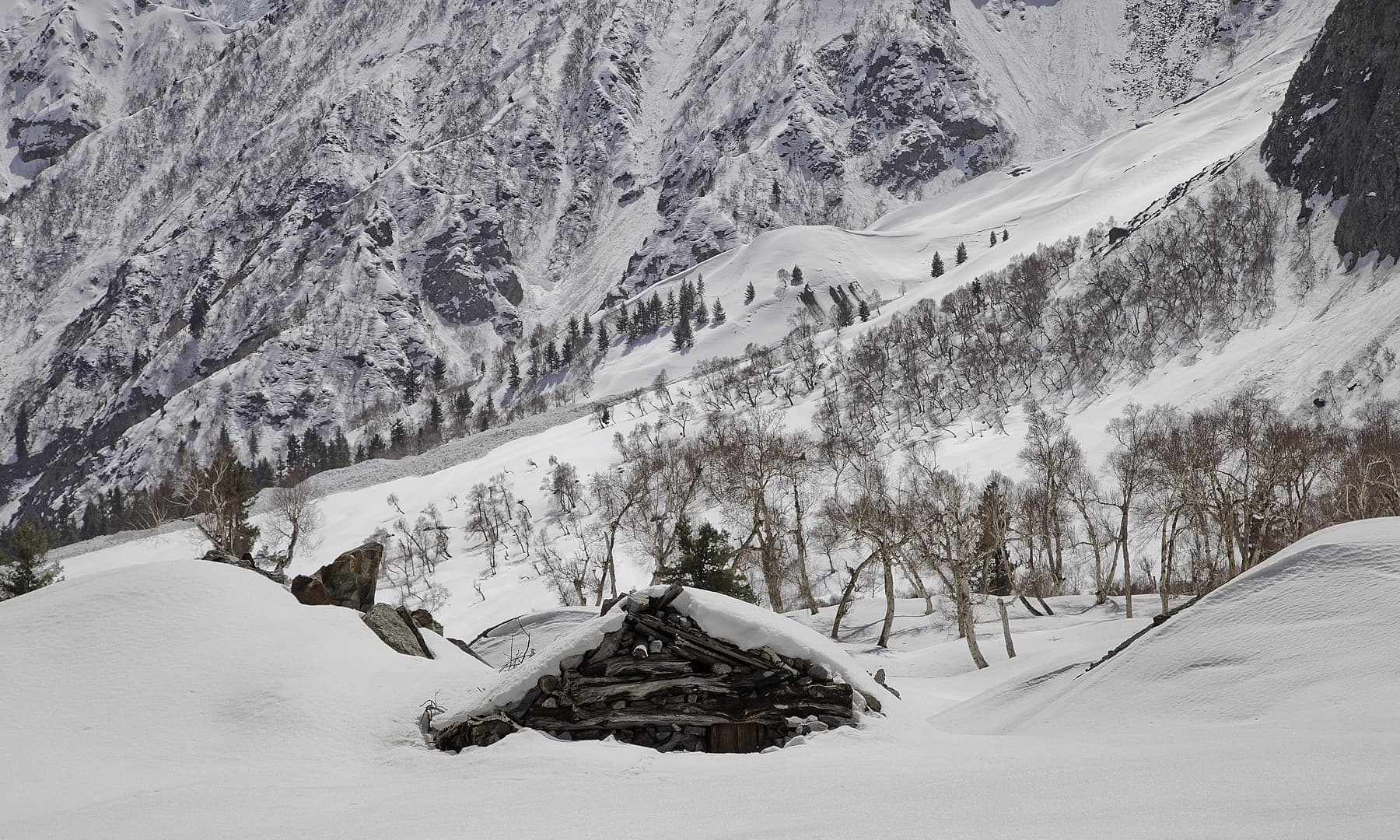 Naltar in winter.