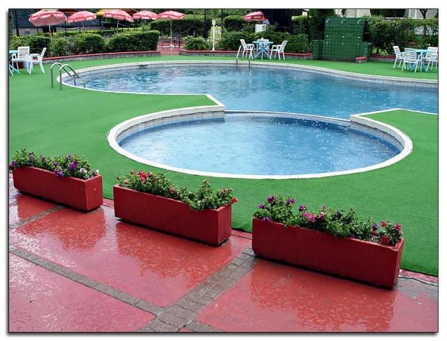 pool-640x489