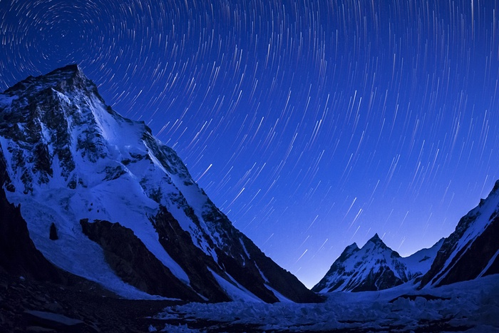 2. K2 mountain captured on a clear night just before sunrise