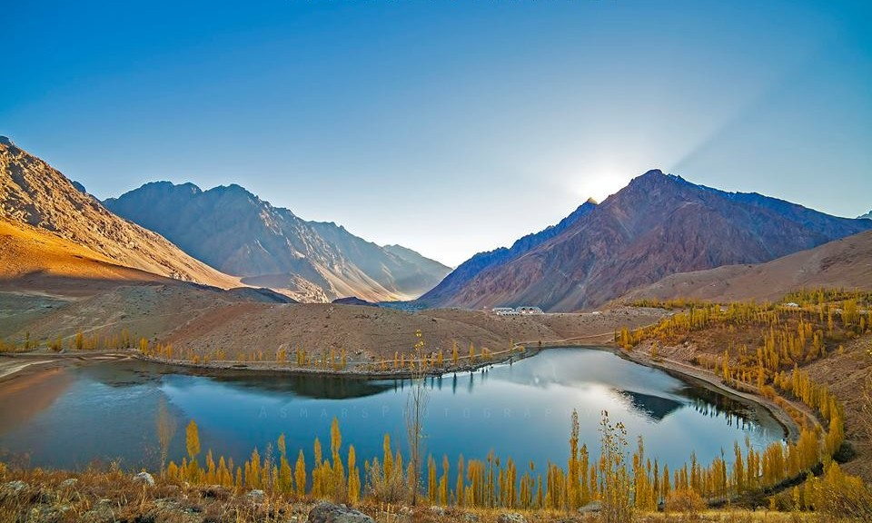 First-Light-Autumn-at-Phandar-Lake-Ghizer-Valley-Gilgit-Pakistan