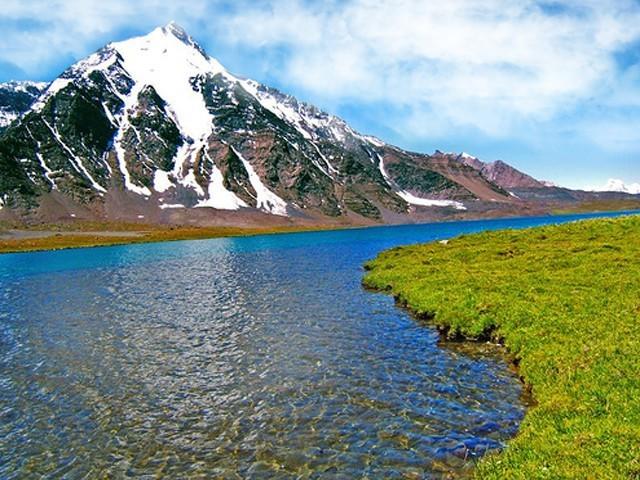Karambar-Lake-640x480